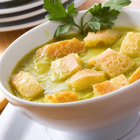 Large krem supa ot grah i kartofi
