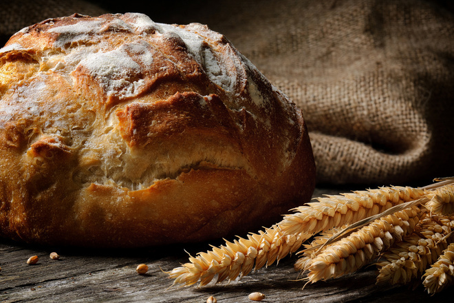 Хляб с пълнозърнесто брашно