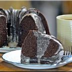 Шоколадов кекс със зехтин и захарна глазура