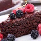 Шоколадов сладкиш с масло и пудра захар