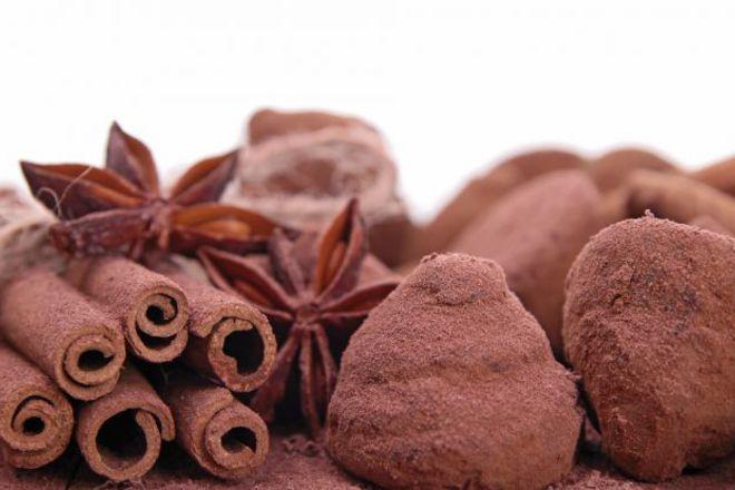 Шоколадови трюфели с канела