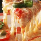 Пица с моцарела, чушки и маслини