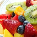 Плодова салата с киви, диня, ягоди и манго