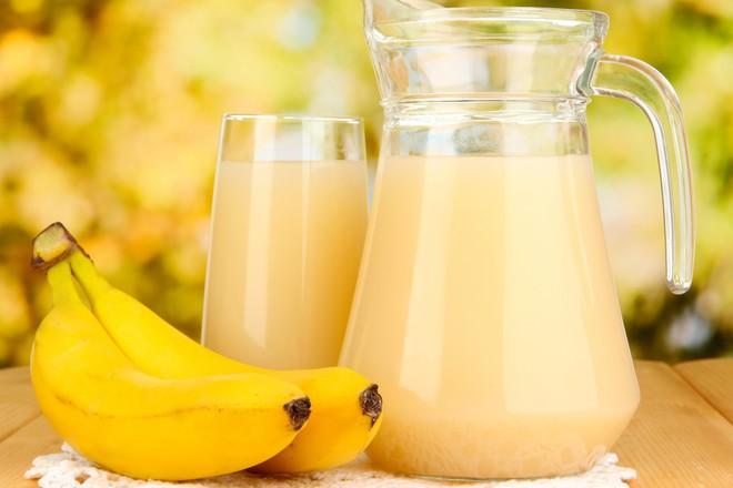 Здравословна напитка от банани с мака