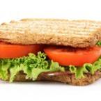 Сандвичи със зелена салата и салам