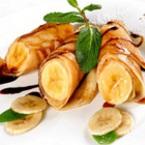 Палачинки с кленов сироп и банани