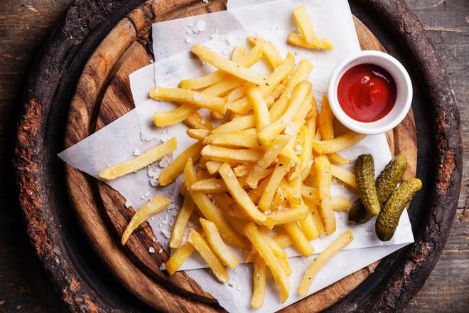 Пържени картофи с масло и морска сол