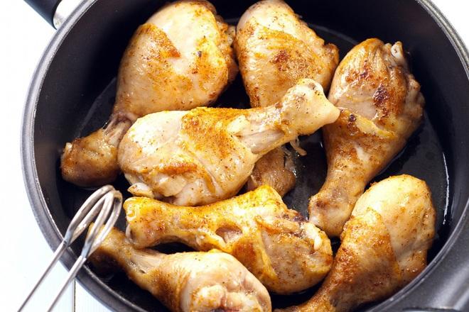 Печени пилешки бутчета със зехтин и чесън