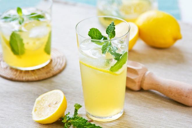 Лимонада с мед и агаве