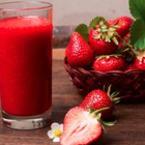 Фреш от ягоди с мед и мака