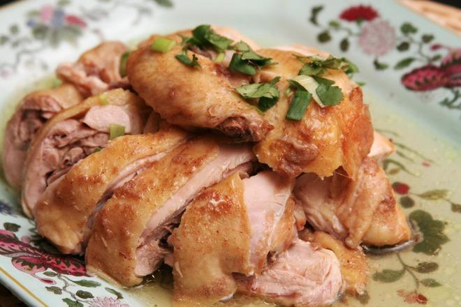 Печено пилешко месо с бира и чесън