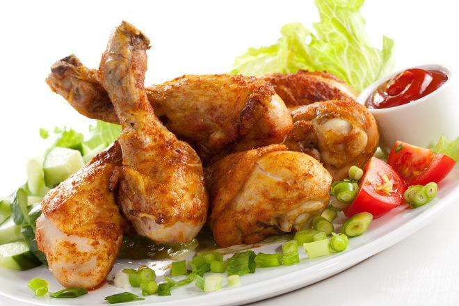 Пилешки бутчета с масло, бира и червен пипер