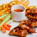 Печени пилешки крилца и бутчета със соев сос