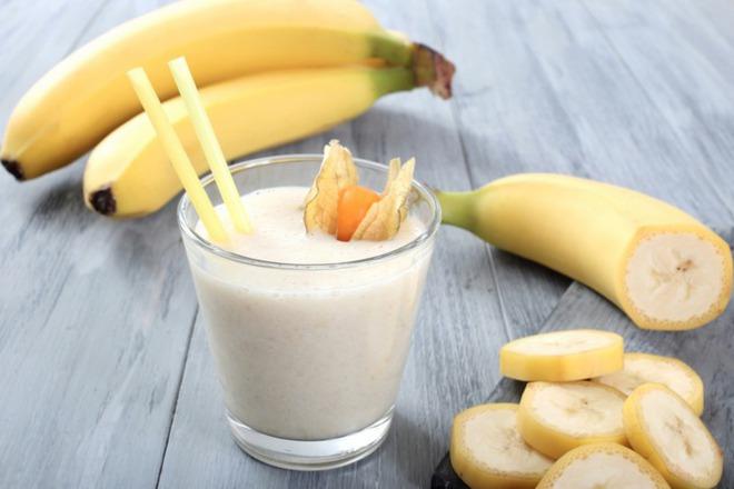 Бананово смути с мед и мака
