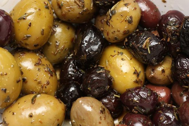 Мариновани маслини