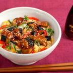 Суши в купа с пиле сукиаки