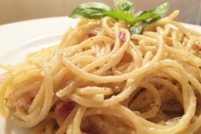 """Пълнозърнести спагети """"Карбонара"""""""