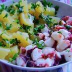 Октопод с картофена салата