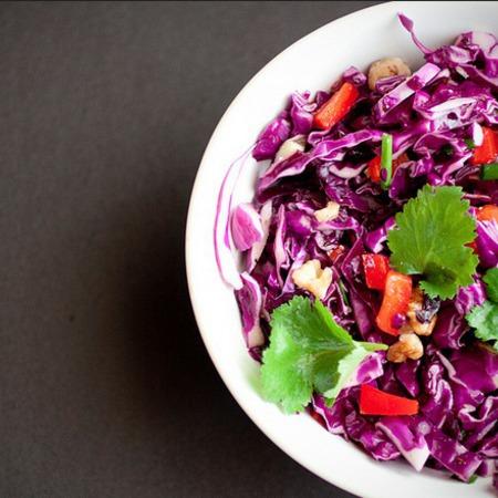 Large salata cherveno zele