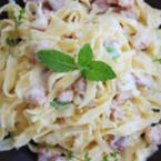Вкусно у дома с Green Master: Паста със сос от сметана, бекон и мента