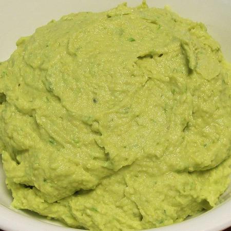 Large guakamole humus