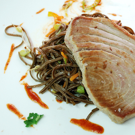 Large stek riba ton
