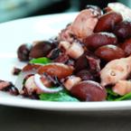Салата с октопод и маслини