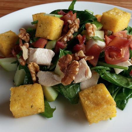 Large salata sas spanak i polenta