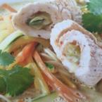 Азиатска нудъл супа с пуешки ролца