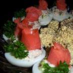 Ордьовър с яйца и два вида пушена риба