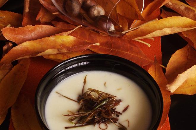 Крем супа от карфиол, праз и грис