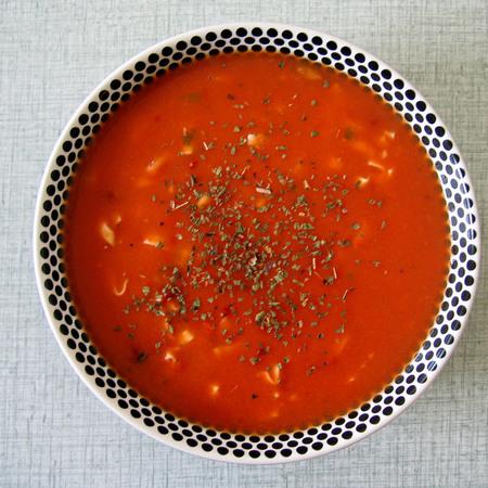 Large domatena supa s kuskus