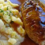 Зелеви сарми със картофена салата и тъмен сос