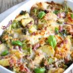 Запечени картофи със зеленчуци
