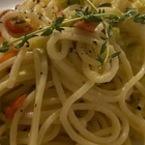 Спагети с праз лук и яйце