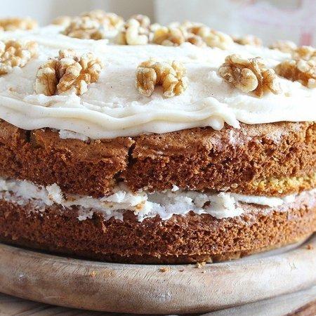 Large morkovena torta