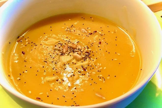 Крем супа от тиква и семена