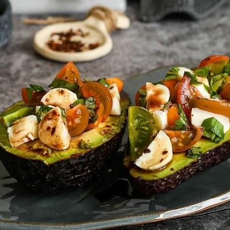 Large salata domati kumato s avokado